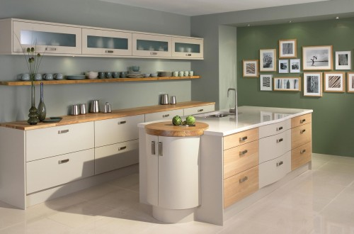 Modern oak fitted kitchen