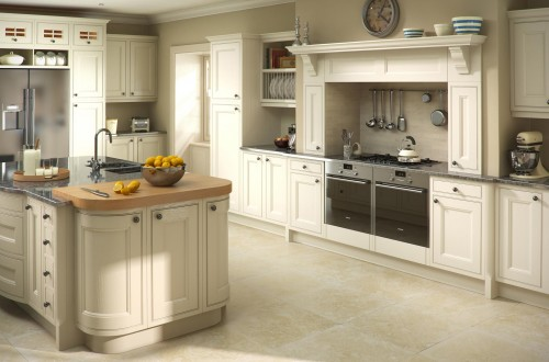 Traditional oak putty fitted kitchen